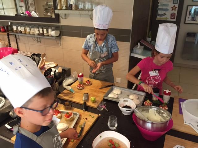 Cours Enfants, Roulé Lemon Curd, Pavlova et sablé breton